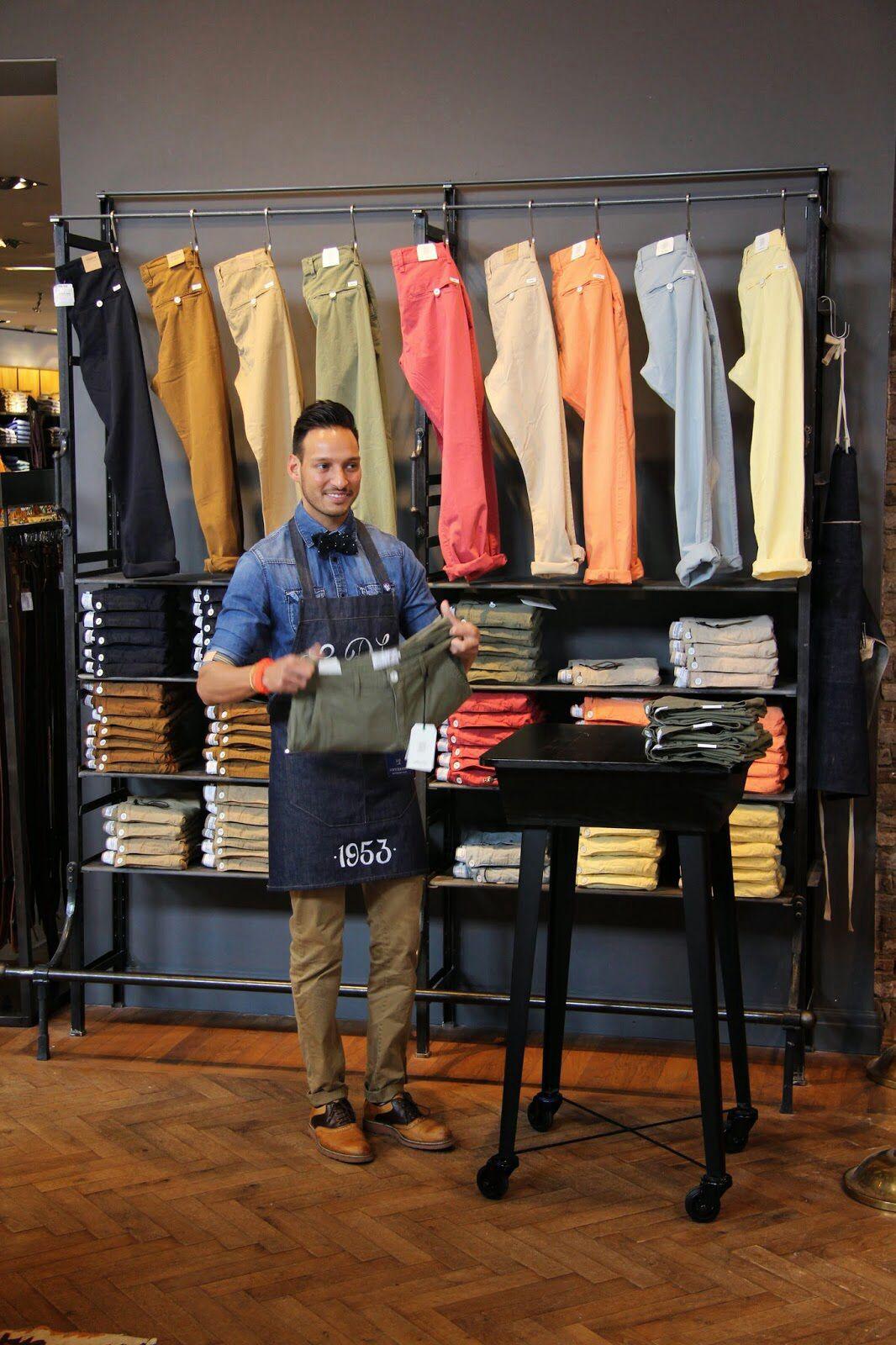 Дизайн стеллажей в магазине Van Dijk