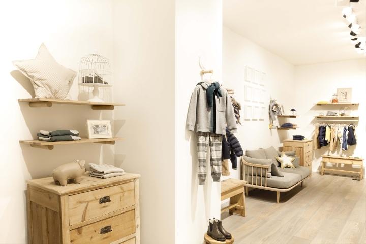 Il Gufo: пример интерьера детского магазина