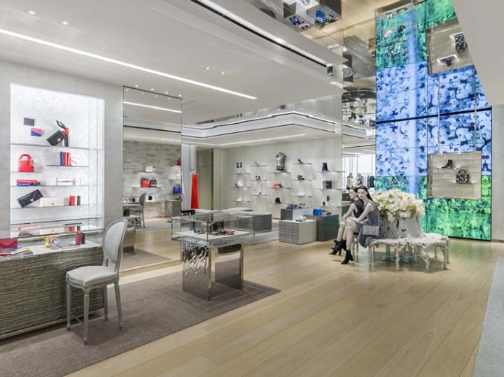 Интерьер бутика Dior в Мехико
